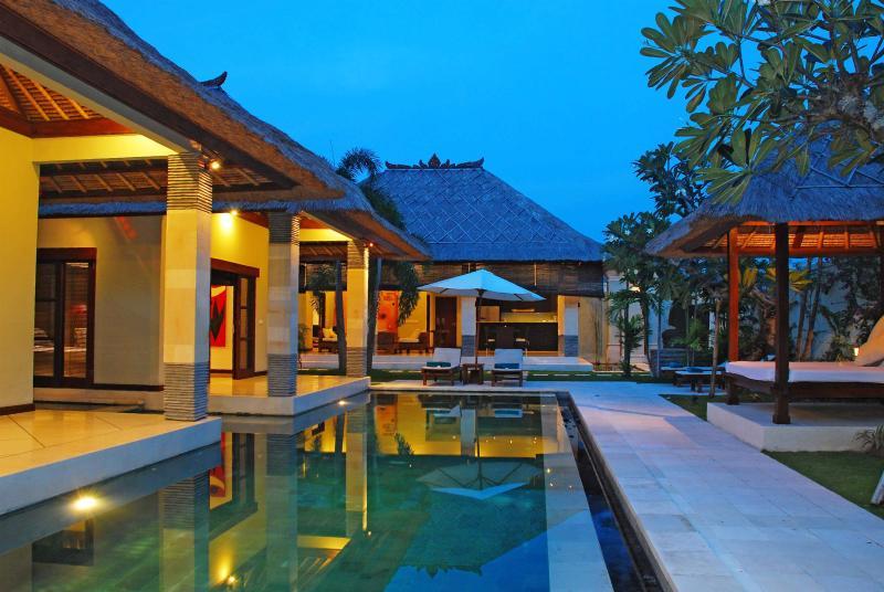 3 Bedrooms - Villa Cinta - Central Seminyak - Image 1 - Seminyak - rentals