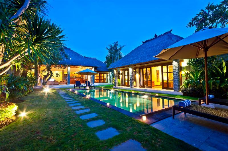 3 Bedroom - Villa Mimpi - Central Seminyak - Image 1 - Seminyak - rentals