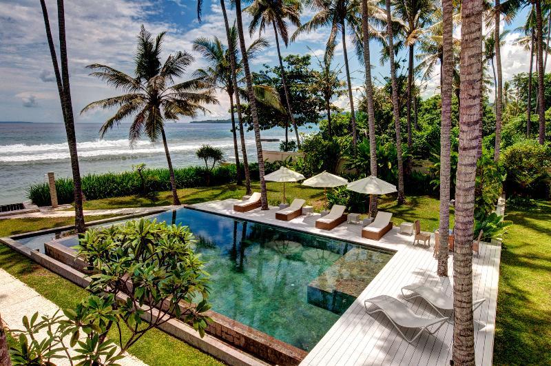 White Sand Beach 4 bedroom Villa Candidasa - Image 1 - Tenganan - rentals