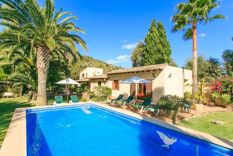 Villa Sontoiri 2203 - Image 1 - Pollenca - rentals