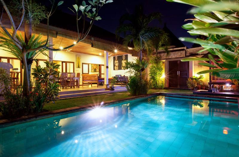 Comfortable 3 bed Villa, Seminyak - Image 1 - Seminyak - rentals