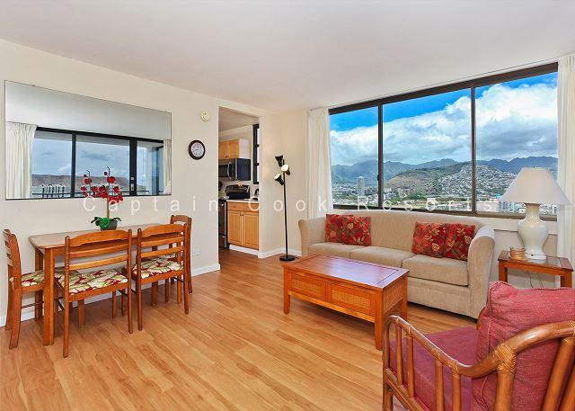 OCEAN VIEW with A/C, washer/dryer, full kitchen, WiFi, pool & parking! - Image 1 - Waikiki - rentals