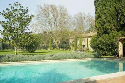 Stunning 7 Bedroom 18th Century Villa in Saint Remy and Alpilles - Image 1 - Saint-Remy-de-Provence - rentals