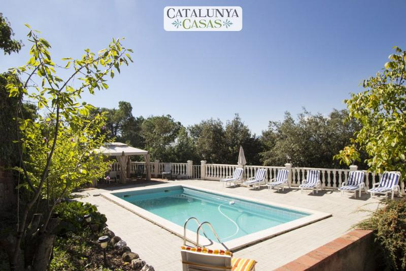 Vacarisses Grande for 16 people with a private pool, 40 minutes from Barcelona and the beach - Image 1 - Vacarisses - rentals
