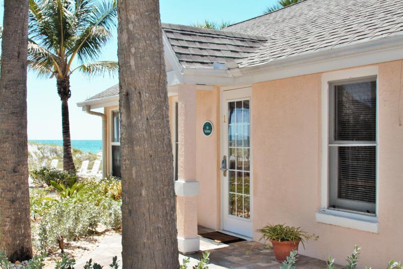 Cottage #1 Yachtsman - Beachfront cottage*Step off patio to the sand! - Indian Rocks Beach - rentals