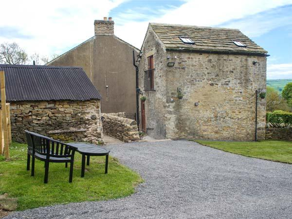 DROVER'S COTTAGE, open plan, WiFi, pet-friendly, plenty of walking, Wolsingham, Ref 933881 - Image 1 - Wolsingham - rentals