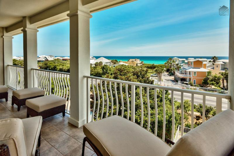 Enjoy amble seating and breathtaking views from your private balcony.  - Gulf views, community pool, large balcony and well appointed furnishings - Emerald Vista - Santa Rosa Beach - rentals