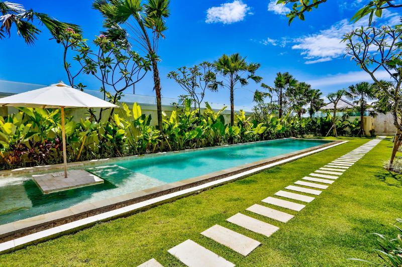 Pool - Villa Shakti - Amazing 3 Bedroom Villa in Umalas - Kerobokan - rentals