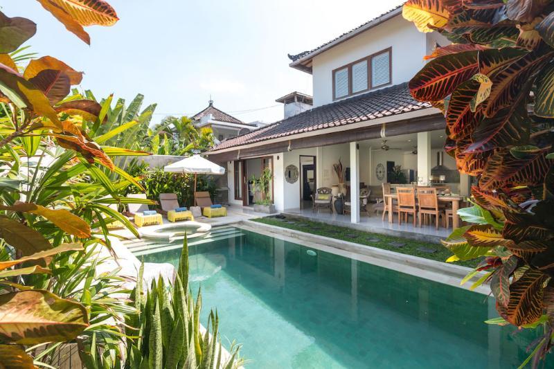 Amazing Villa Ketemu Prime Location - Image 1 - Seminyak - rentals