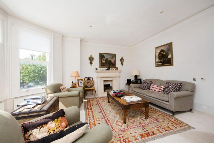 Beautiful 4 bedroom family townhouse very near to Parsons Green with lovely outdoor area - Image 1 - London - rentals