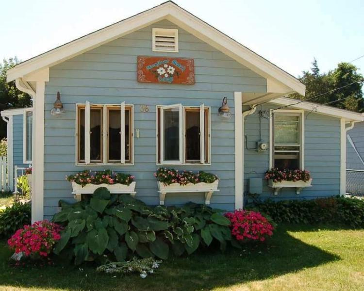 This is my home, and yours too! - Moonflower Beach Cottage on Muddy Cove!!!! - Wareham - rentals