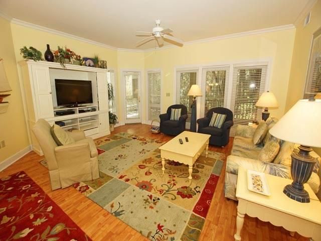 WE8137 - Image 1 - Hilton Head - rentals