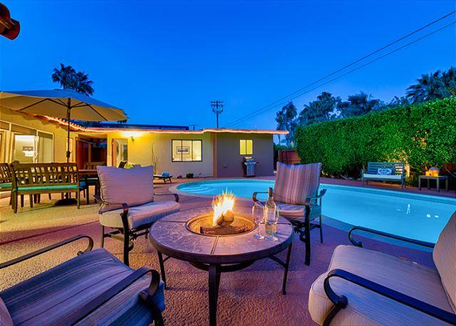 Relax and enjoy the fire pit in this intimate seating area. - 3 Private Cottages on 1 Lot - Private Pool, Spa, Fire Pit - Palm Springs - rentals
