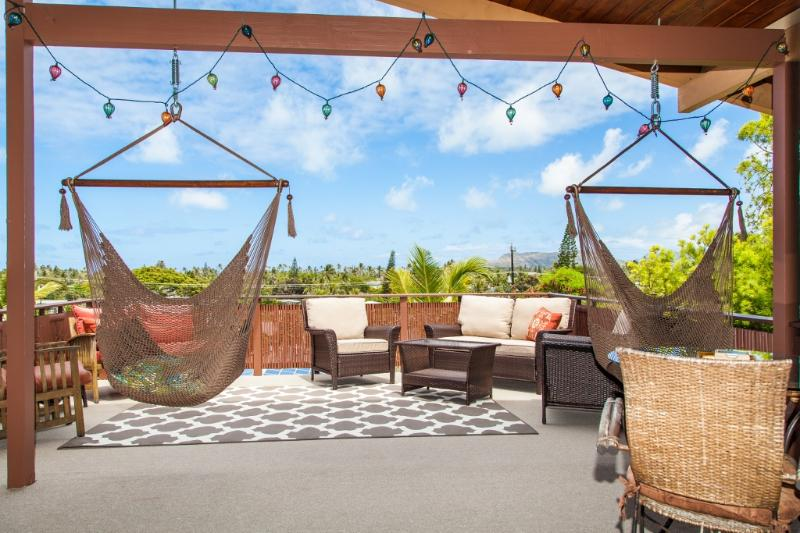 Spacious lanai with sweeping treetop views. - Cozy Large 1bdrm 1bath aprt With Sweeping Views - Kailua - rentals
