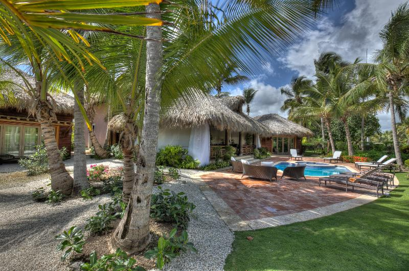 Amazing 3 bedroom Villa surrounded by Golf Course and next to Beach - Image 1 - Punta Cana - rentals
