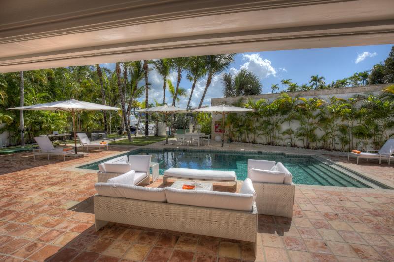 Stunning Villa near the Beach - Image 1 - El Limon - rentals