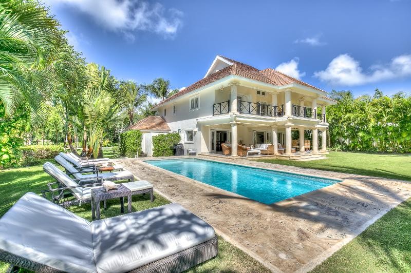One-of-a-kind golf front/view villa with an evergreen landscape - Image 1 - Punta Cana - rentals