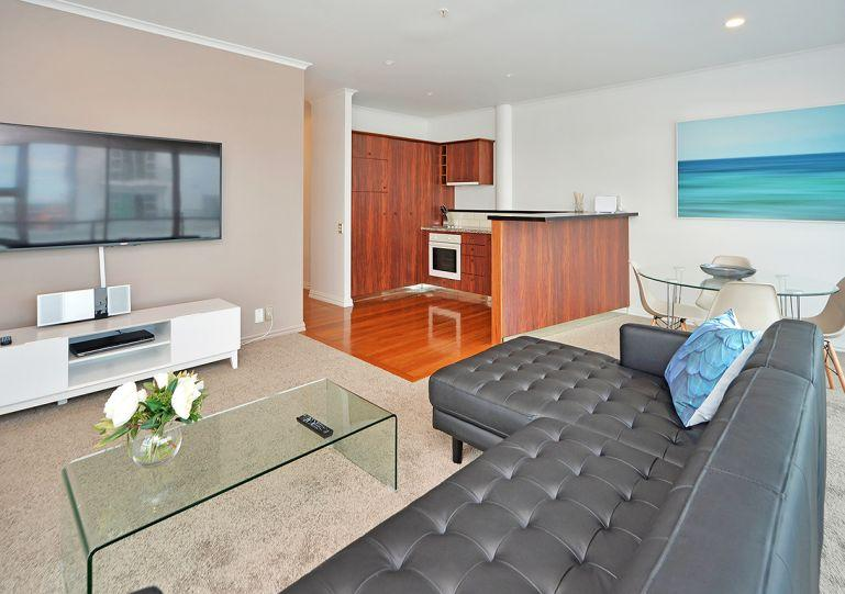 Modern stylish one bedroom apartment - Princes Wharf 4th floor Serviced Air Conditioned One Bedroom Apartment with City Views from Large Balcony - Auckland - rentals