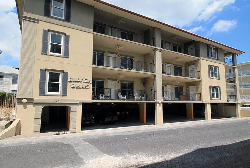 Silver Seas Condominiums - Unit 302 - Easy Walk to the Beach - FREE Wi-Fi - Image 1 - Tybee Island - rentals