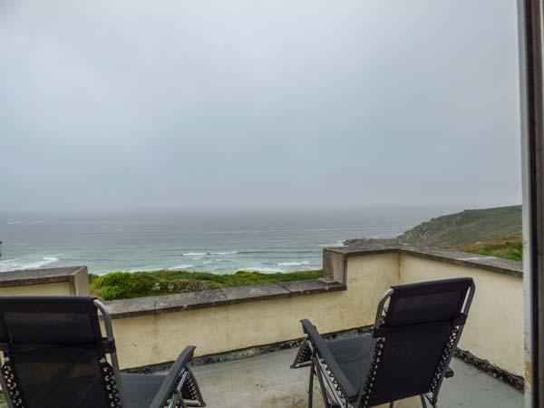 THE COACH HOUSE spacious, en-suite, views, close to beach, WiFi, Sennen Cove Ref 932665 - Image 1 - Sennen Cove - rentals