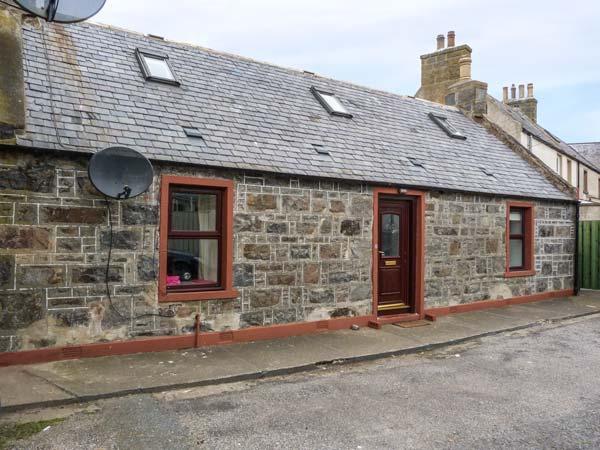AUCHNAHAIRD, fisherman's cottage, WiFi, pet-friendly, patio, in Whitehills, Ref 934891 - Image 1 - Whitehills - rentals