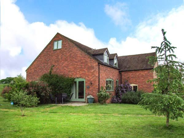 MALVERN VIEW, two bed, off road parking, shared garden, in Worcestershire, Ref 936521 - Image 1 - Worcestershire - rentals