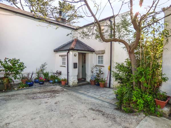 SWALLOWS FLIGHT, multi-fuel stove, private garden, pet-friendly, WiFi, in Goonhavern, Ref 937839 - Image 1 - Goonhavern - rentals