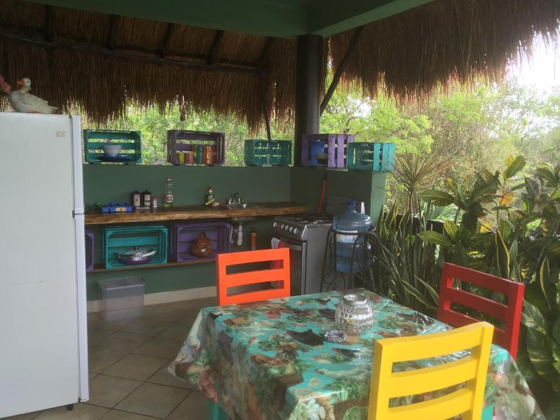 Our lovely Mexicanoutdoor kitchen, Watch the many exotic birds every morning singing to you. - Mexican Outdoor Kitchen, ac, wifi, Apartment 4 - Tulum - rentals