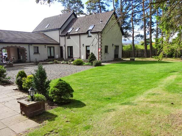 THE SHIELING well-appointed, shared garden, off road parking in Newtonmore Ref - Image 1 - Newtonmore - rentals