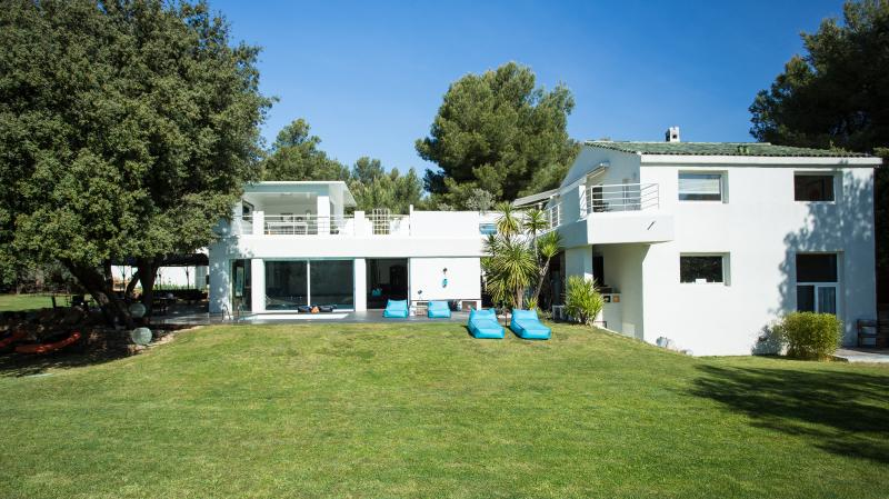 Luxury House in the heart of the Bandol vineyards. - Image 1 - Saint Cyr sur mer - rentals