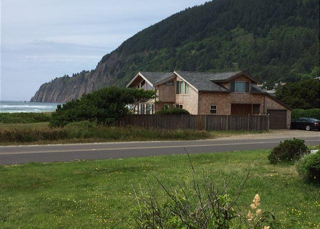 NKN TREASURE~Beach front home with fabulous ocean views! - Image 1 - Nehalem - rentals