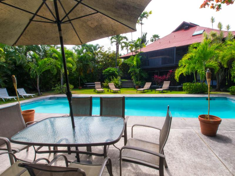 Elegant White Sands Estate with Tropical Grounds - Image 1 - Kailua-Kona - rentals