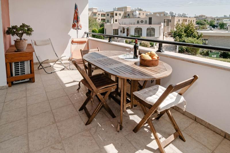 Beautiful holiday apartment with pool in the village of Kissonerga - Image 1 - Kissonerga - rentals