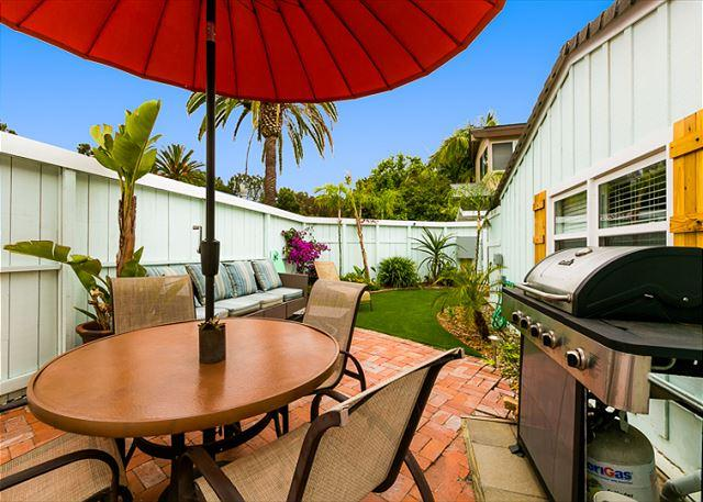 Welcome to you Private Patio where you can relax, barbecue and dine al fresco after a day at the beach or exploring the nearby delights. - Great Condo on La Jolla Shores Dr - Blocks From the Beach! - La Jolla - rentals