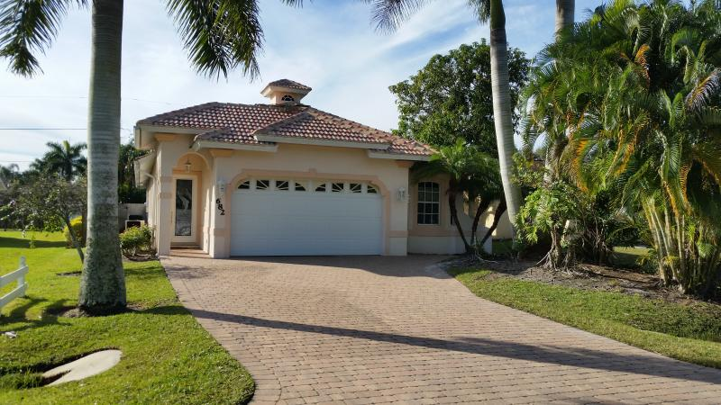 Pool Home in Naples Park, Close to the Beach - Image 1 - Naples - rentals