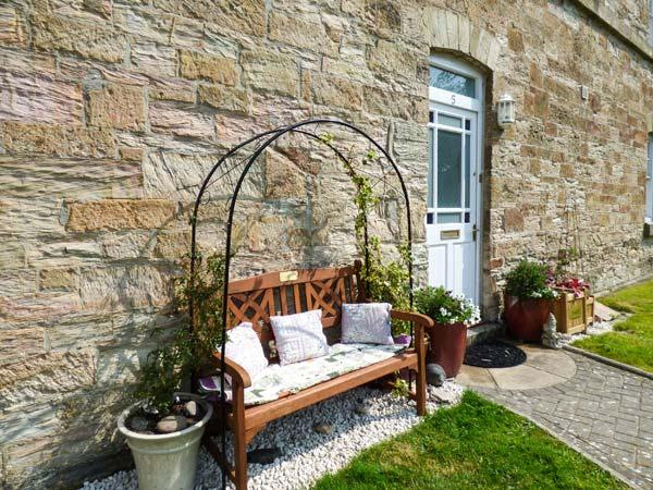 JEANDY, Grade II listed cottage in gated developement, Sky TV, pets welcome, in Bodmin, Ref 934585 - Image 1 - Bodmin - rentals
