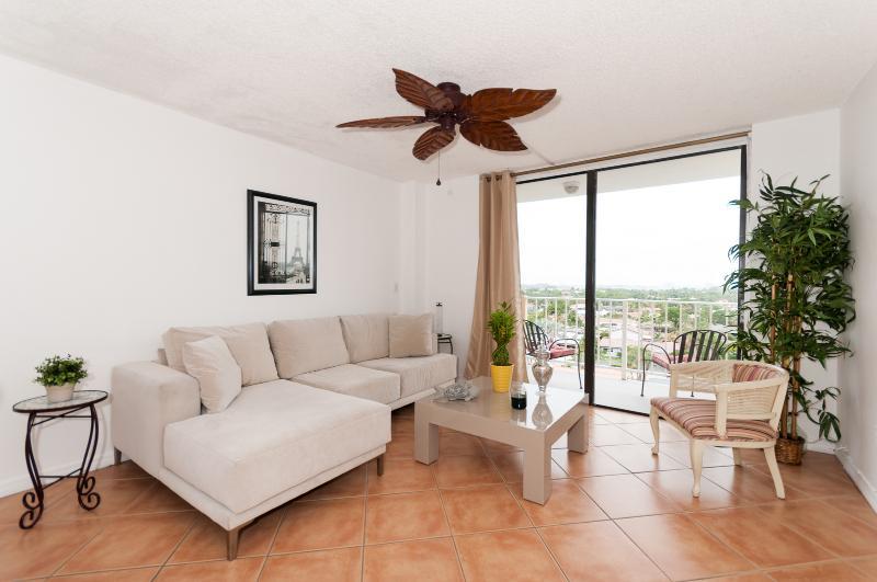 Cozy One Bedroom North Miami Apartment - Image 1 - North Miami - rentals