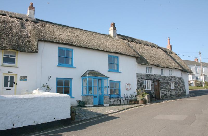 Gunvor Cottage - Image 1 - Coverack - rentals