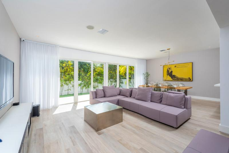 Beautiful 4 Bedroom Christa - Image 1 - Miami Beach - rentals