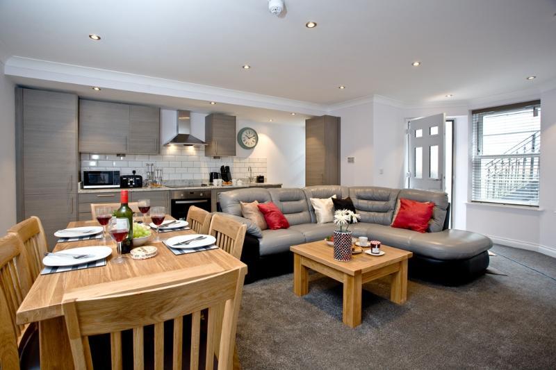 2 Austen's Apartments located in Torquay, Devon - Image 1 - Torquay - rentals
