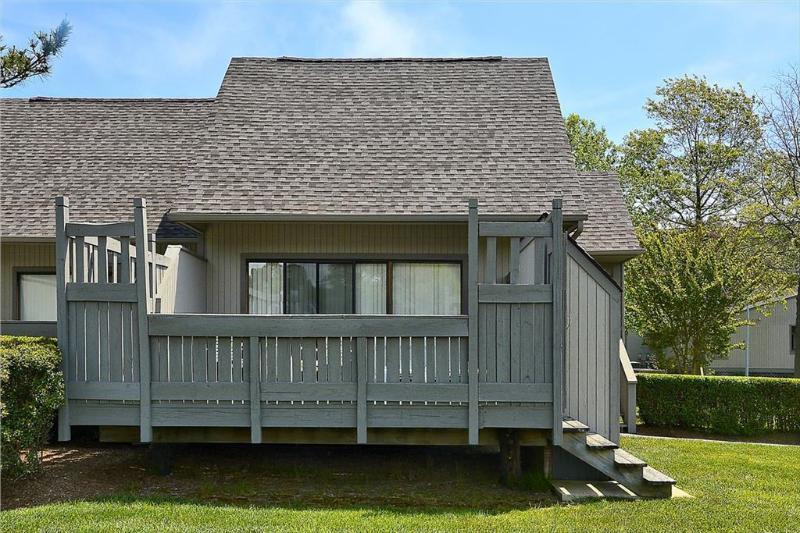 2 bedroom, 2 bath townhouse. Less than 5 blocks to beach! - Image 1 - Sea Colony - rentals