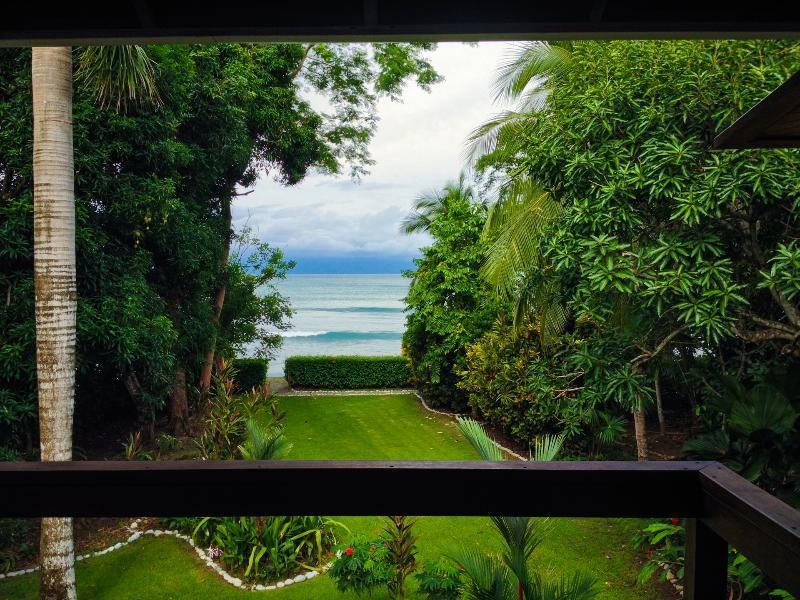 Casa Dos Rios...at the beach!  and, in the rain forest. - Casa Dos Rios, Beachfront, Rainforest Home, W/Surf - Cabo Matapalo - rentals