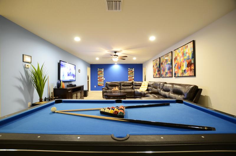 Pool table and family room - Brand New 8br/6ba pool villa ,Close to Disney - Kissimmee - rentals