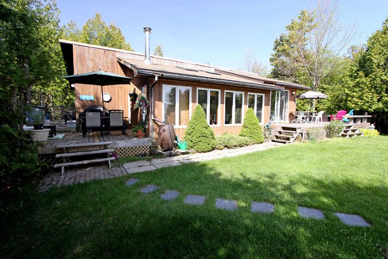 Rob's Roost cottage (#1019) - Image 1 - Ontario - rentals