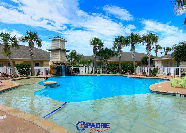 Great pool area for spending time with family and friends - Best Pool on the Island! 2 bedroom Townhouse w/garage and free Wifi! - Corpus Christi - rentals