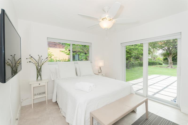 Cozy Private room in Shared Modern Miami Shores Home - Image 1 - North Miami - rentals