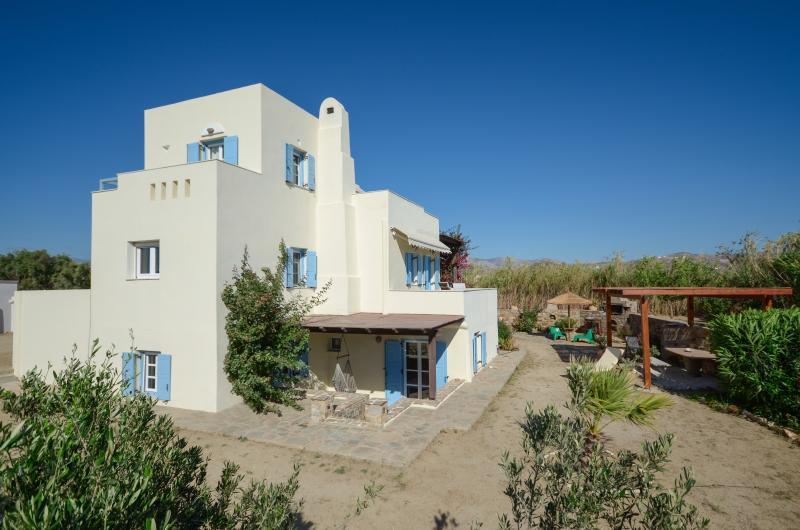 Seaside Villa Dimitra ,Plaka beach, Naxos Island - Image 1 - Plaka - rentals