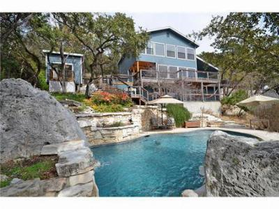 House and Guest House as seen from the pool. - The Little Lanai - Austin - rentals