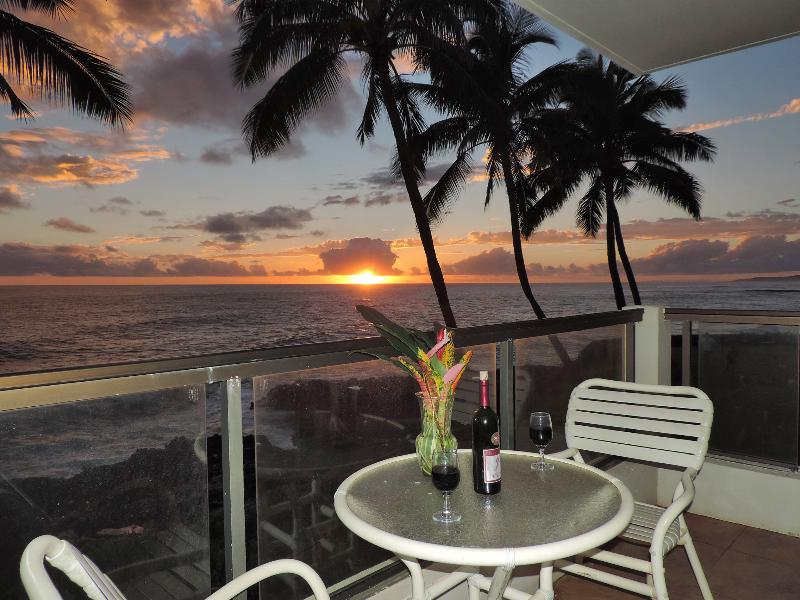 Won't your days on Kauai end in the best possible way? - Poipu Shores 201A 2BR Oceanfront. Updated. - Koloa - rentals