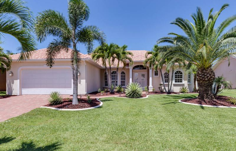 Front view of Villa Cape Florida - Waterfront Villa Cape Florida with Gulf access - Cape Coral - rentals